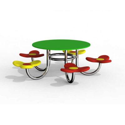 Nerūdijančio plieno vaikiškas pikniko staliukas su kėdutėmis baltame fone