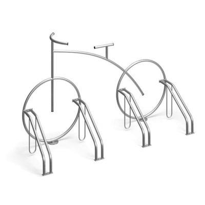 Originalus dviračio formos dviračių stovas baltame fone