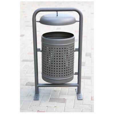 Stačiakampio formos plieninė šiukšliadėžė su stogeliu pilkame fone