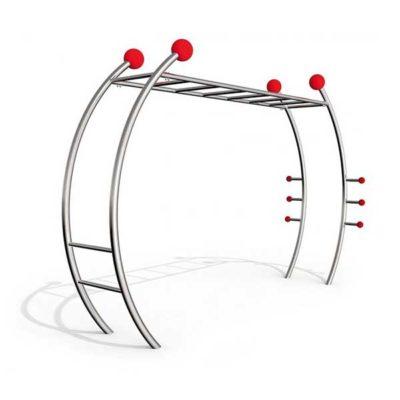 Gimnastikos įrenginys pagamintas iš nerūdijančio plieno V2A skirtas viso kūno raumenims stiprinti baltame fone