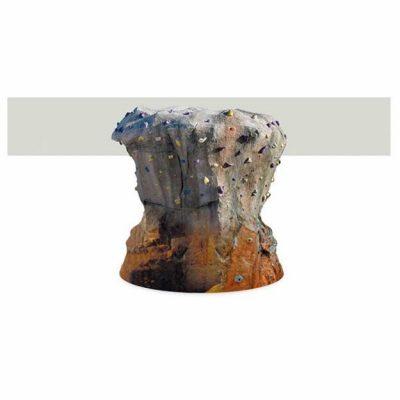 Alpinizmo sienelė iš vandeniui atsparios medienos,stiklo pluošto, dažyta geliniais dažais. baltame fone
