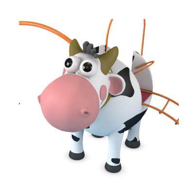 Žaidimų kompleksas su karvytės figūra iš poliesterio, grūdinto plieno baltame fone