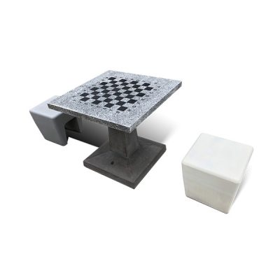 Lauko šachmatų stalas iš architektūrinio betono ir granito baltame fone