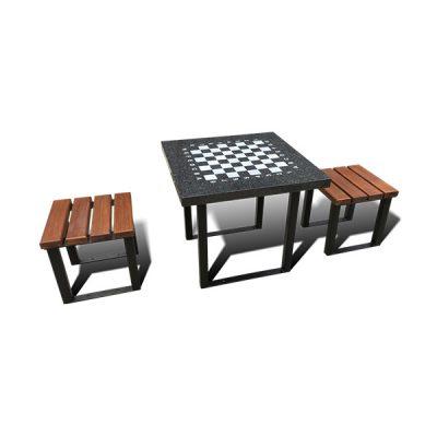 Lauko šachmatų stalas pagamintas iš juodalksnio medienos, cinkuoto dažyto plieno ir granito baltame fone
